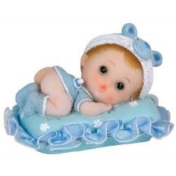 Bébé garçon sur coussin