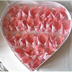 Coeur avec 36 ballotins roses